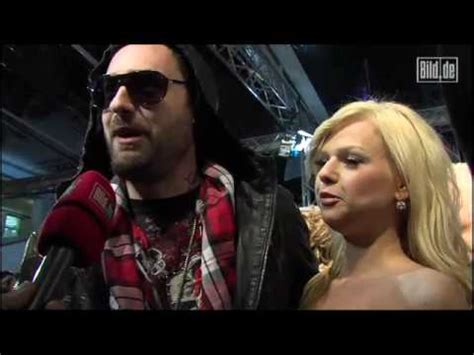ROTER TEPPICH - ECHO 2010 - SIDO ZEIGT UNS SEIN WEED - YouTube