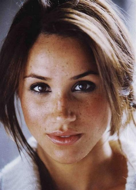 """MEGHAN MARKLE - This """"Suits"""" actress has an African"""