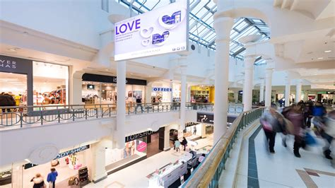 Tunbridge Wells: Two new stores for Royal Victoria Place