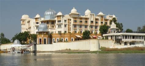 Top 7 Star Hotels In India | Top List Hub