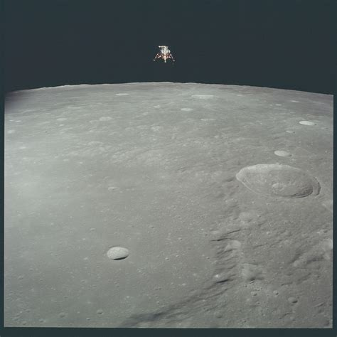 Every Moon Photo Shot by Apollo Astronauts is Now on Flickr