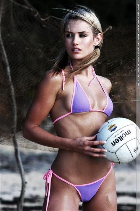 Aussie Babes Exposed: Nicky Whelan