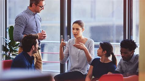 30 Smart Tips to Improve Communication in the Workplace