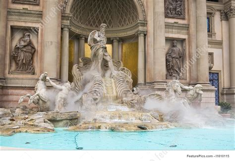 Image Of Statue And Pool At Caesars Palace