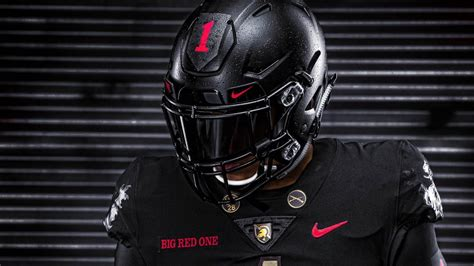 LOOK: Army unveils 'Big Red One' uniforms honoring 100th