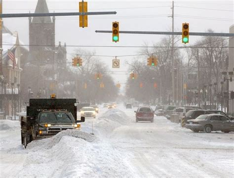 Schools closed, accidents abound as snow blankets Bay